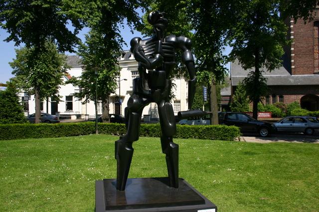 657178 - Kunst. De derde editie van de openluchtexpositie Oisterwijk Sculptuur langs De Lind in 2006.