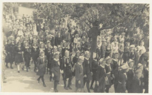 90878 - WOII; WO2: Made en Drimmelen. Bevrijdingsfeest 1945