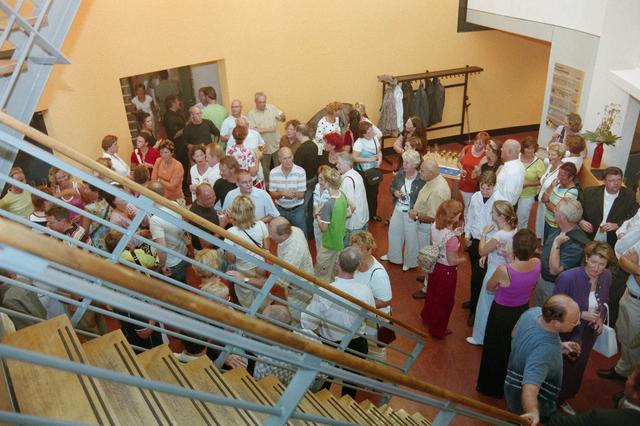 1237_001_023_010 - Cultuur. Presentatie de nieuwe voorstelling van de Tilburgse Revue 2005 in september 2004.