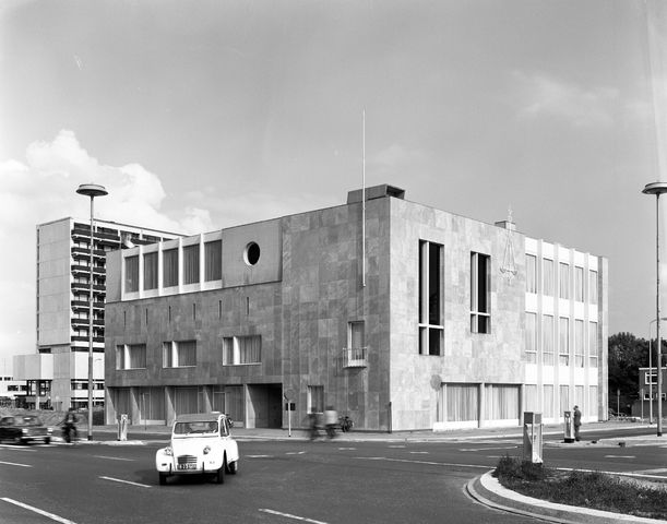D-00747 - Kantongerecht van Tilburg (architect Jos Bedaux)