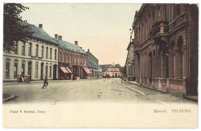 000773 - Heuvel zuid-oostzijde, links hotel Brox, van de woning rechts is later een gedeelte afgebroken ter verbreding van de Julianastraat.