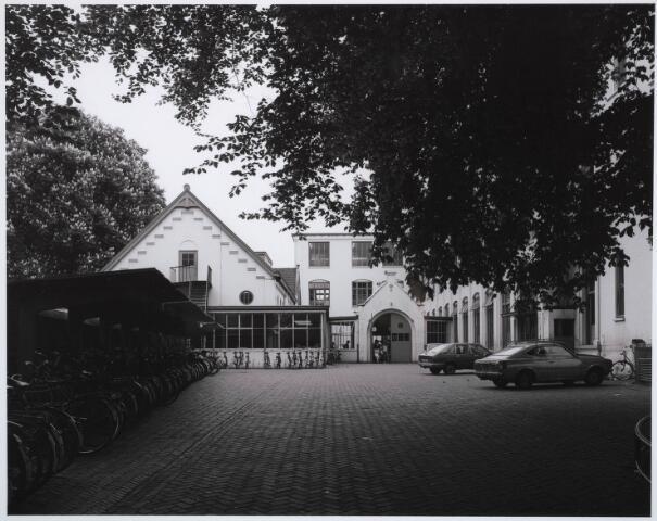 031663 - Onderwijs: r.k.Ambachts- en Industrieschool voor Tilburg en omstreken aan de Spoorlaan