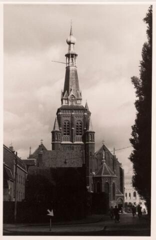 035978 - R.K. kerk van de H. Dionysius van het Heike thans Stadhuisplein