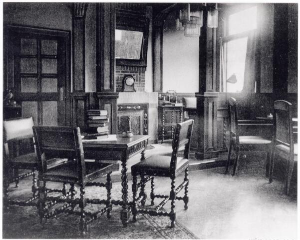 038430 - Nijverheid. Schoen- en leerindustrie. Privé-kantoor bij N.V. J. van Arendonk's schoen- en lederfabrieken
