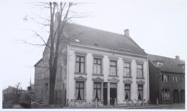 019030 - Pand aan de Goirkestraat, gebouwd door Cornelis van Dijk - Dams voor zijn zoon Gabriël. Daarna werd het eigendom van diens zonen Cornelis Petrus en Josephus Albertus. Thans ligt het op de hoek met de Pater Ruttenstraat en het Bart van Peltplein