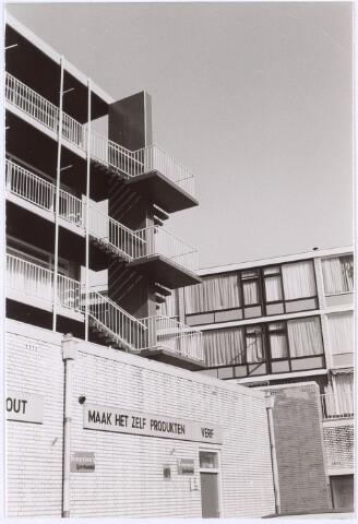 017459 - Achterzijde van ijzerhandel Kruyssen aan de Daniel Josephus Jittastraat