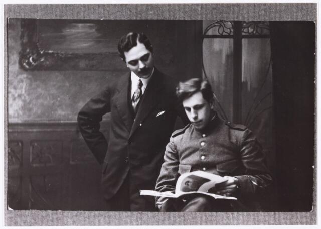 006777 - Maurits Manheim en Theo van Doesburg.