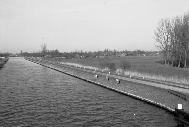 656667 - Wilhelminakanaal richting Oisterwijksebaan 1984 in Tilburg.