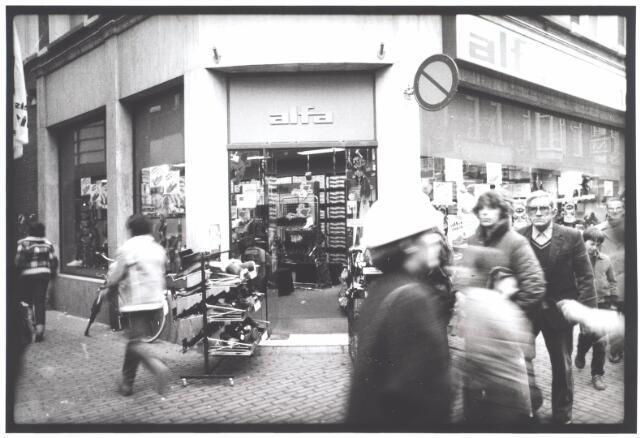 021995 - Schoenhandel Alfa in de Heuvelstraat
