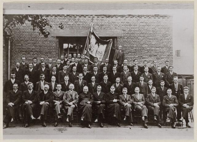 100681 - Boerenbonden. Noordbrabantse Christelijke Boerenbond (N.C.B.) Oosterhout opgericht 1910 b.g.v. het 25-jarig bestaan.