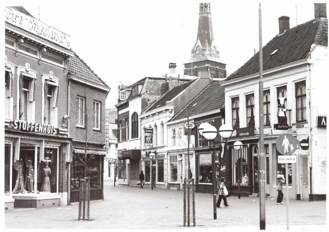 021823 - Kruising Nieuwlandstraat (voorgrond) - Zomerstraat (rechts) en Heuvelstraat