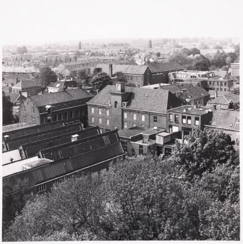 036463 - Panorama van Tilburg vanaf de flat aan het Koningsplein.