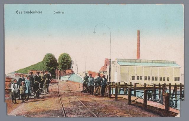 058097 - Voetbrug Geertruidenberg.