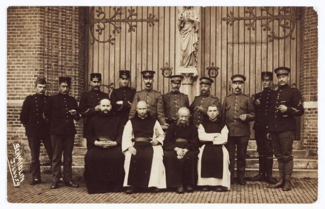 062108 - Kloosters. Abdij van Onze Lieve Vrouw van Koningshoeven aan de Eindhovenseweg 3