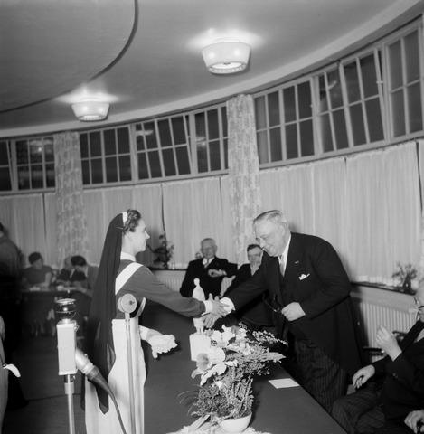 050540 - Elisabethziekenhuis. 125-jarig bestaan van de stichting ´Het R.K. Gasthuis´en 25 jarig bestaan St. Elisabethziekenhuis.