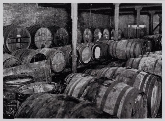 040328 - Kelder van wijnhandel Andre Kerstens