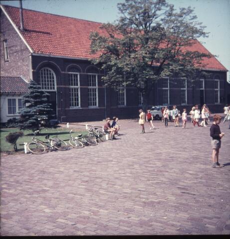 650132 - Gerardus Majellaschool, Hulten. Het oude schoolgebouw.