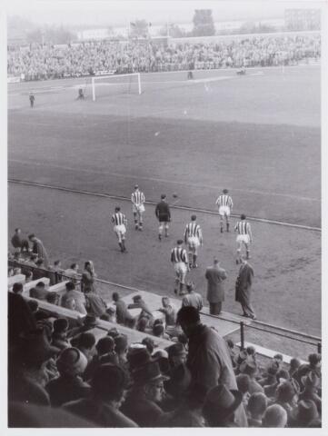 054082 - Sport. Voetbal. Willem II.