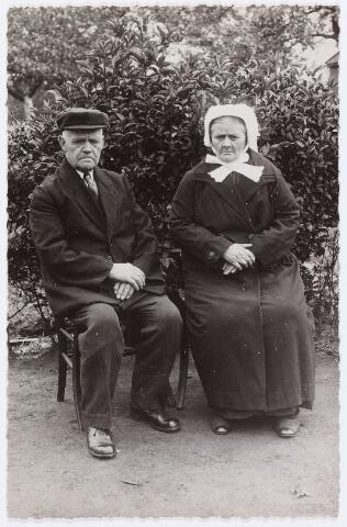 056421 - Klederdracht. Brabants echtpaar