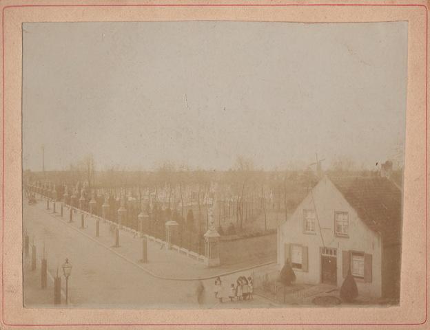 652681 - Kerkhof Bredaseweg ca. 1890.