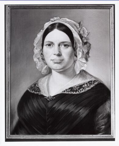 008308 - Schilderij. Josephina Anna Martina Dams dochter van Willebrordus Dams en Cornelia Johanna Antonia Verbunt. Geboren Tilburg 26 juli 1807, gestorven 26 oktober 1883. Gehuwd 16 januari 1834 Cornelis Janssens.