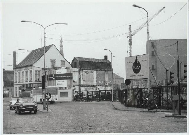 031031 - Schouwburgring. Plan Koegenboeg in aanbouw. links apotheek Hodes (voorheen Zomerstraat).