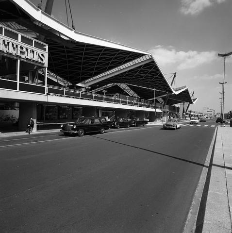 D18_4-cc43-001 - Station Tilburg