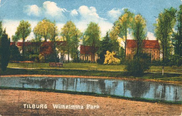 653932 - Tilburg. Opname van het Wilhelminapark uit lang vervlogen tijden gezien de dan nog summiere beplanting . De huizen liepen van het Wilhelminapark over in de Gasthuisstraat. In het linkerpand is tegenwoordig het inloophuis gevestigd.