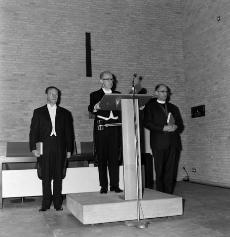 1237_012_1011_006 - Studie. Promoveren.Promotie Hogeschool Tilburg 1966