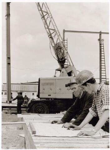 039194 - Volt. Noord. Algemeen, Gebouwen, Nieuwbouw. Bouwaktiviteiten t.b.v.hal ND in 1963 bestemd voor de gereedschapmakerij.