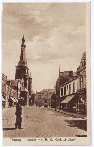 001877 - Oude Markt voorheen de Markt met kerk Heike en gemeentehuis.