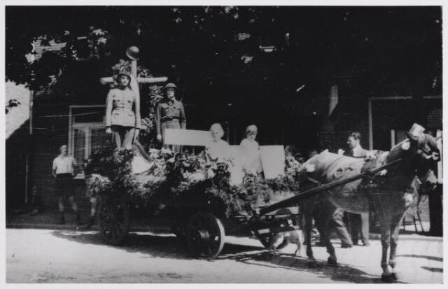 045714 - WOII; WO2; Tweede Wereldoorlog. Bevrijdingsoptocht.
