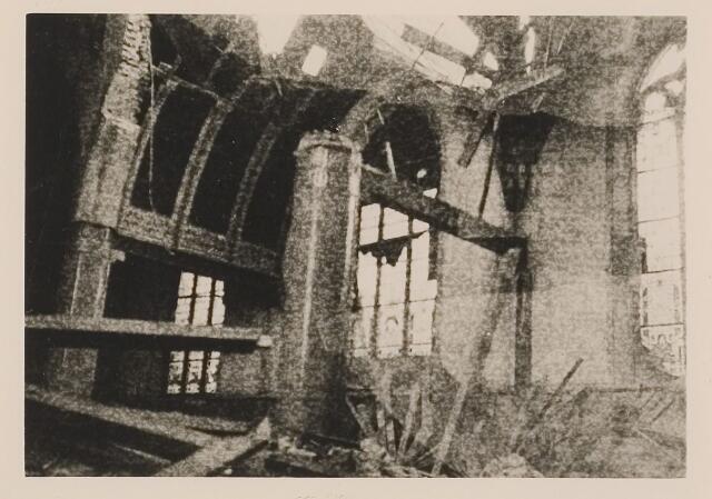083827 - WOII; WO2; Oorlogsschade. Sint-Willibrorduskerk door artilleriebeschieting zwaar beschadigd