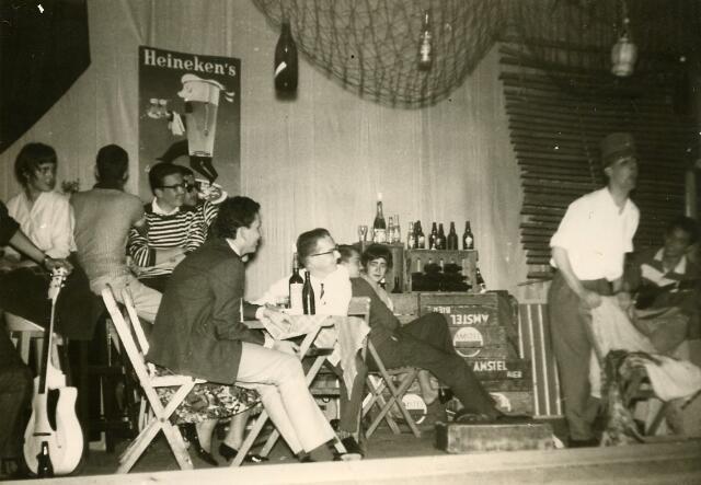 092033 - Cabaretavond St.  PAULUS-HBS t.g.v. de opening van het nieuwe gebouw.