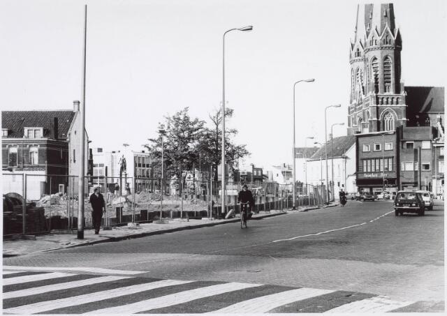021531 - Braakliggend terrein tussen Heuvel en Piusplein waarop winkelcentrum Heuvelpoort zou worden gebouwd