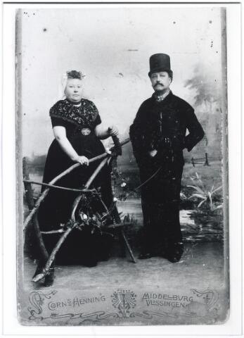 005034 - Jean Pierre Joseph LEJEUNE, kapper van beroep, en zijn echtgenote Maria NOOIJENS in Zeeuwse klederdracht.