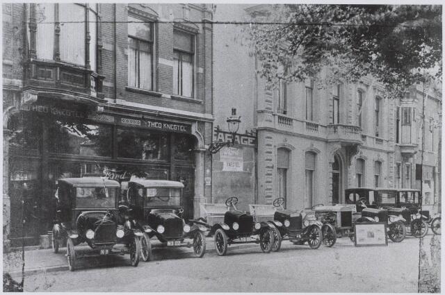 021138 - Een nieuwe zending Fordjes voor de garage van Knegtel in het voorjaar van 1923