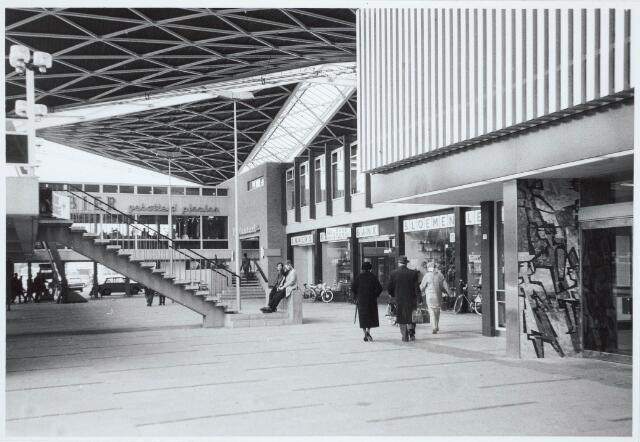 032045 - Spoorwegen: Station aan de Spoorlaan