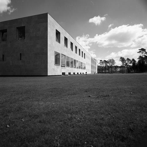 D18_4-cc53-011 - Hoofdgebouw (aula) Katholieke Hogeschool Tilburg, Universiteit van Tilburg. Architect Jos. Bedaux.