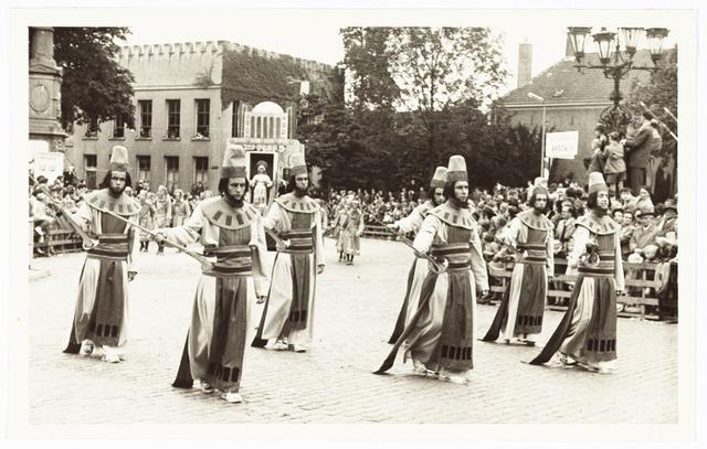 009177 - H. Hartstoet, priesters uit het Oude testament (1955)