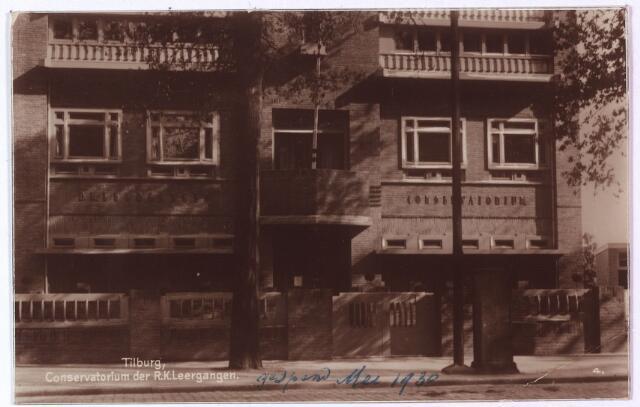 002662 - Het conservatorium aan de Bosscheweg, nu Tivolistraat, werd als onderafdeling van de R. K. Leergangen geopend in mei 1930 en ingewijd door mgr. Diepen. Architect van het gebouw was H.C. Bonsel.