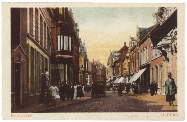 001081 - Heuvelstraat tussen Heuvel en Willem II-straat vanaf de Heuvel. Links het huis van wollenstoffenfabrikant Goyarts, nu de Hema