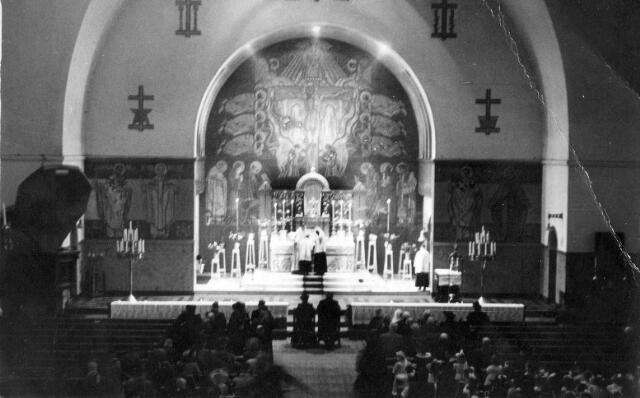 065784 - Kerken. Interieur van de R.K. parochiekerk H. Antonius van Padua (Korvel).
