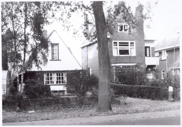 016186 - Karakteristiek huis aan de Bredaseweg eind 1963