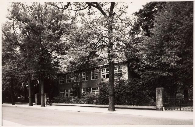 033314 - Voorzijde van het pand Bosscheweg 341, later Tivolistraat 3, een van de gebouwen van de de R.K. Leergangen.