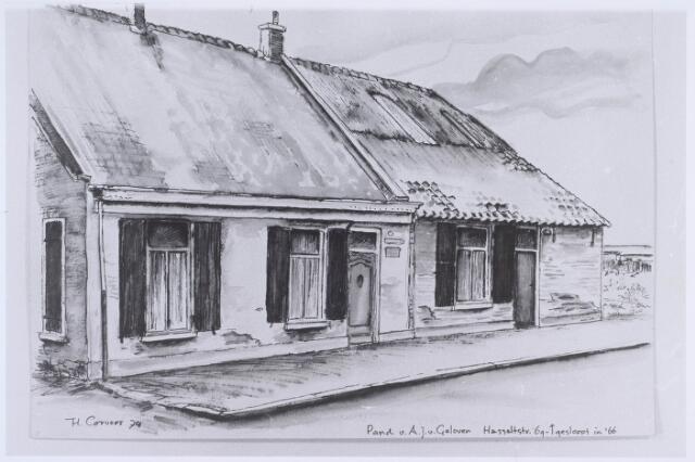 020541 - Tekening. Tekening van H. Corvers van de panden Hasseltstraat 67 (rechts) en 69 (links). Eerstgenoemde, laatst bewoond door A.J. van Geloven, werd eind 1966 gesloopt
