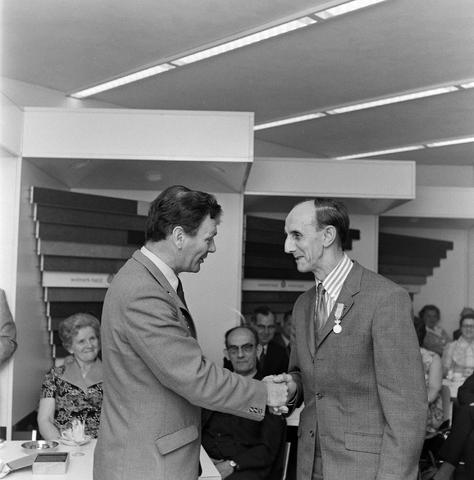1237_012_992_001 - Viering van een jubileum van textiel firma Van Besouw b.v. bij restaurant Boschlust in Goirle in mei 1973.