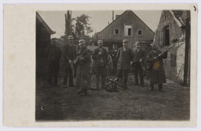 103611 - Brandweer. Brandweer kring no. 2. Van Sonstraat bij de Korvelseweg. Brandmeester Jos van Son.