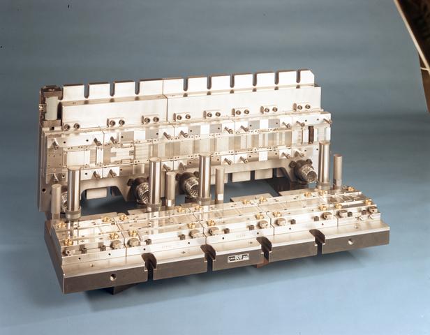 D-00704 - SO 28 LD Matrix [SMS Stamp Tool & Mould Technologies B.V. Tilburg (tegenwoordig ART Group)