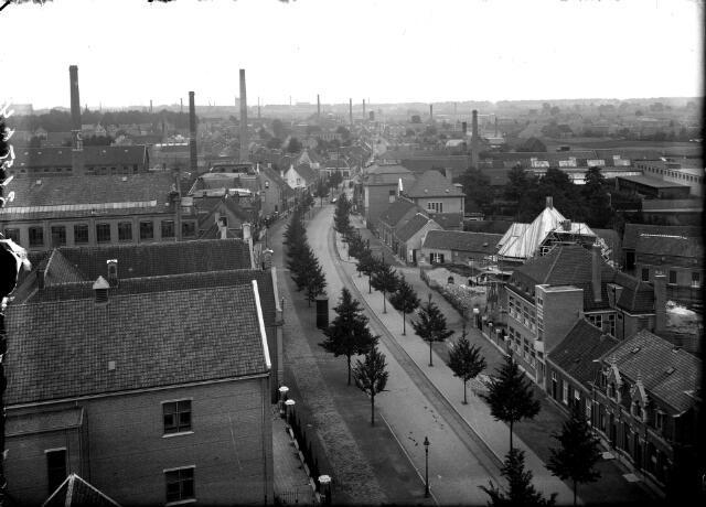 650577 - Schmidlin. Panorama van de Goirkestraat richting Hasseltstraat en Gasthuisstraat. De foto werd genomen vanaf de toren van de Goirkese kerk en als ansichtkaart in de handel gebracht, omstreeks 1925.